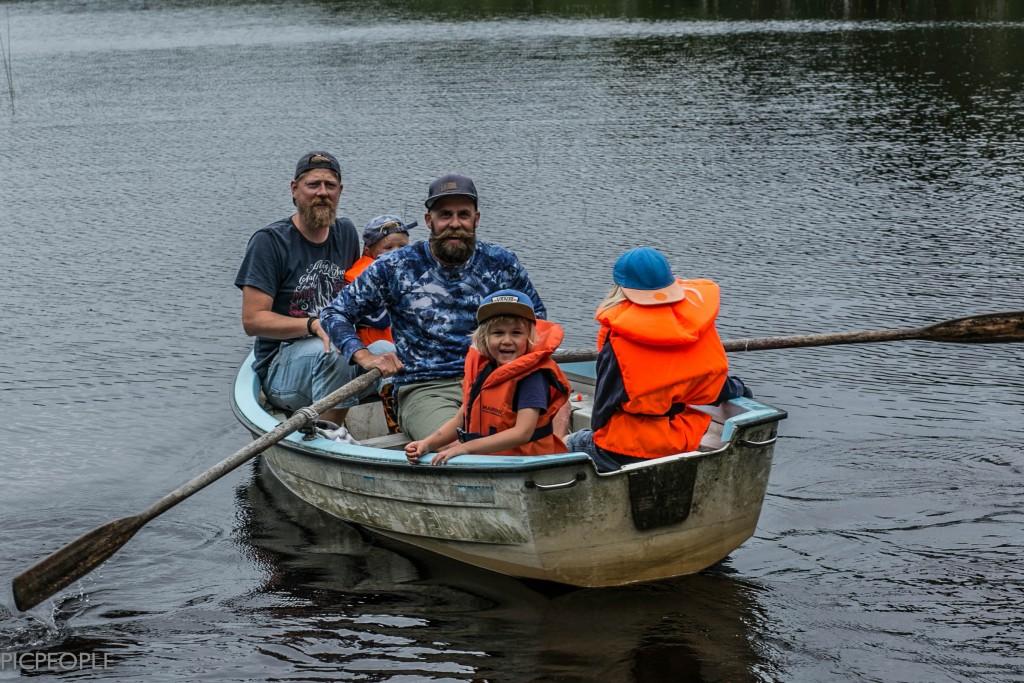 Dags för nästa gäng att ge sig iväg och prova fiskelyckan.