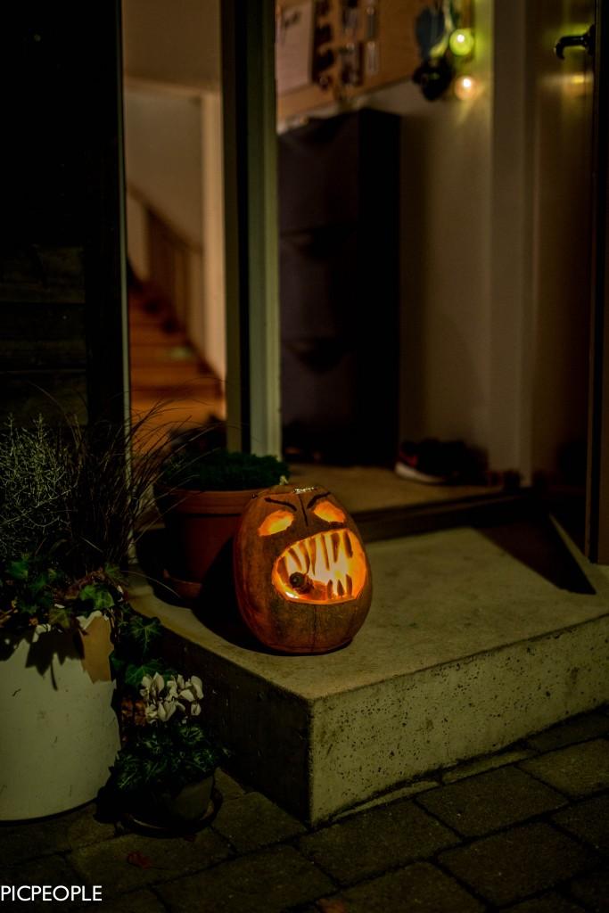 Igår gjorde jag och pojkarna en Halloweenpumpa som vi var mycket stolta och nöjda med.