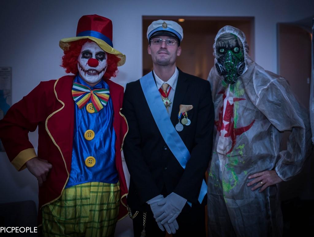 Creepy clownen, Konungen och Toxic Man.
